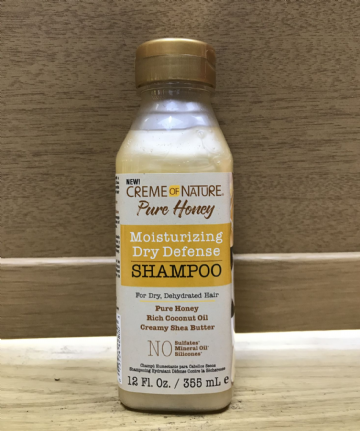CREME OF NATURE  MOISTURISING DRY DEFENSE SHAMPOO - 355ml